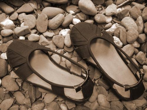 罗汉鞋的鞋洞有什么含义