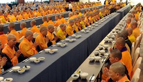 在寺院吃饭为何不能讲话