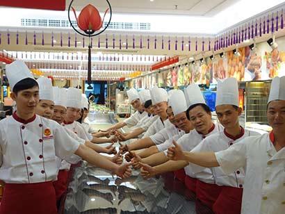 深圳最大海鲜酒楼改卖素餐 看老板改变的心路历程