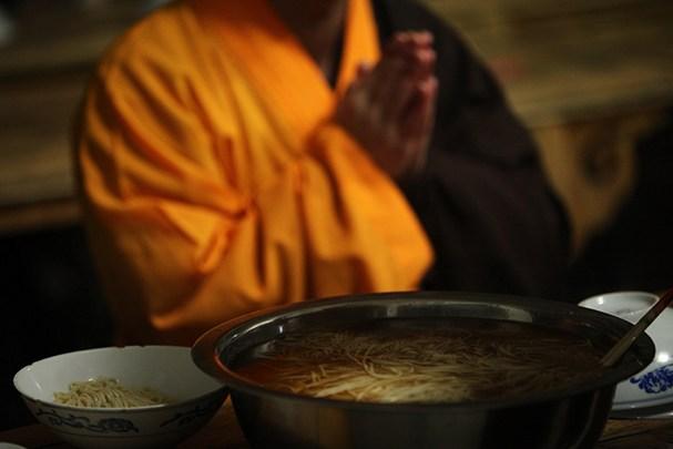 僧人的晚餐为何称为「药石」